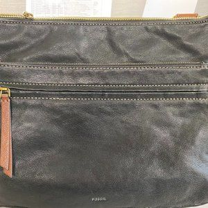 Fossil black shoulder bag - Used in good condition